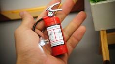 Hộp Quẹt Bật Lửa Bình Chữa Cháy Mini