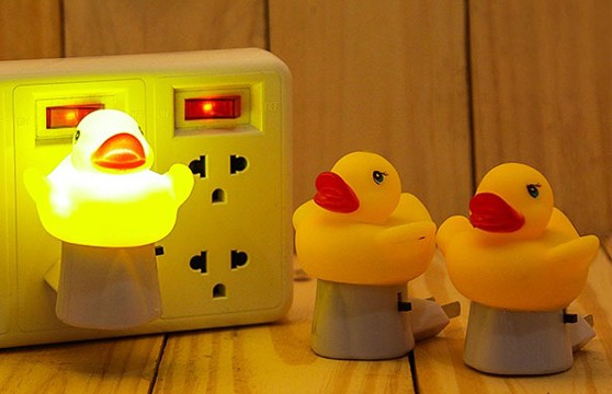 Đèn Ngủ Hình Chú Vịt Rubber Duck