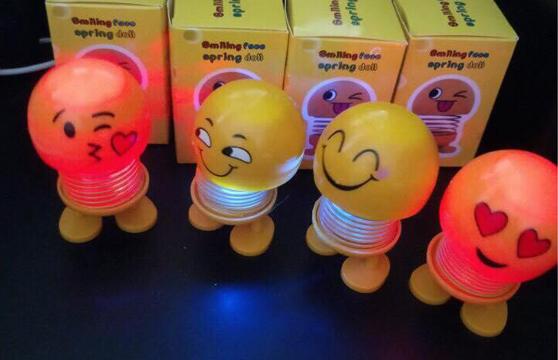 Đồ Chơi EmoJi Cảm Xúc Có Lò Xo Và Đèn Led Dùng Để Giải Trí, Giảm Stress