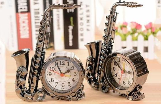 Đồng Hồ Hình Kèn Saxophone