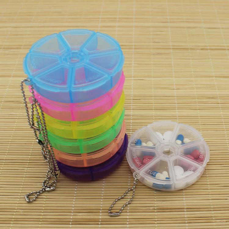 Hộp Nhựa Chia Thuốc 7 Ngăn Có Móc Khóa