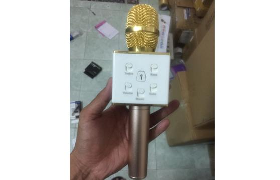 Micro Karaoke 3 Trong 1 M8 Kết Nối 2 Điện Thoại Cùng Lúc