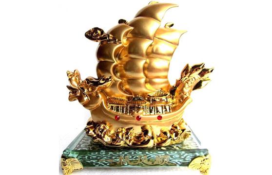 Ngọc Phong Thủy Chiếc Thuyền Rồng