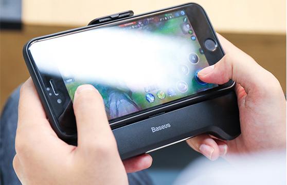 Tay Cầm Chơi Game Baseus Mobile Games Handle Lv269 Tích Hợp Pin Sạc Dự Phòng 2000Mah