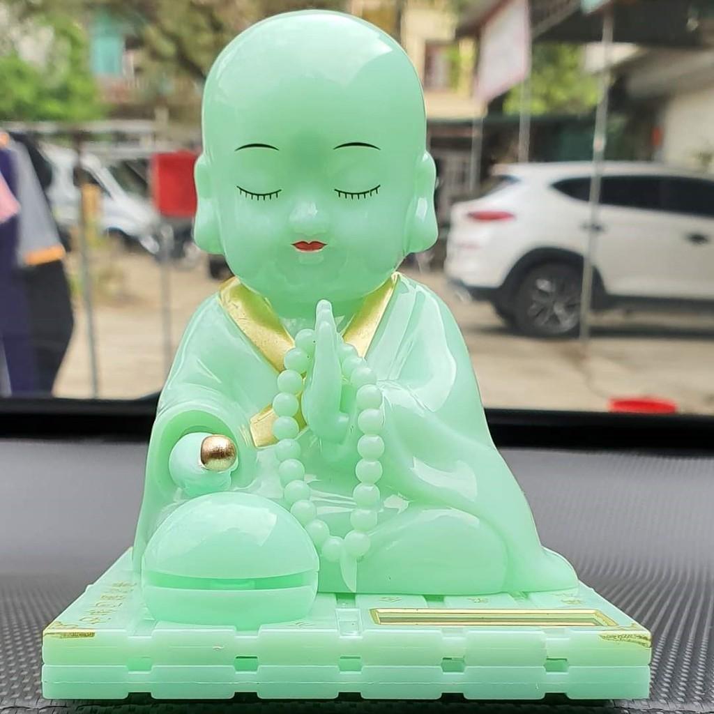Tượng Phật Gõ Mỏ Tụng Kinh Xanh Ngọc Trang Trí Xe Hơi Bàn Làm Việc Dùng Pin Năng Lượng Mặt Trời