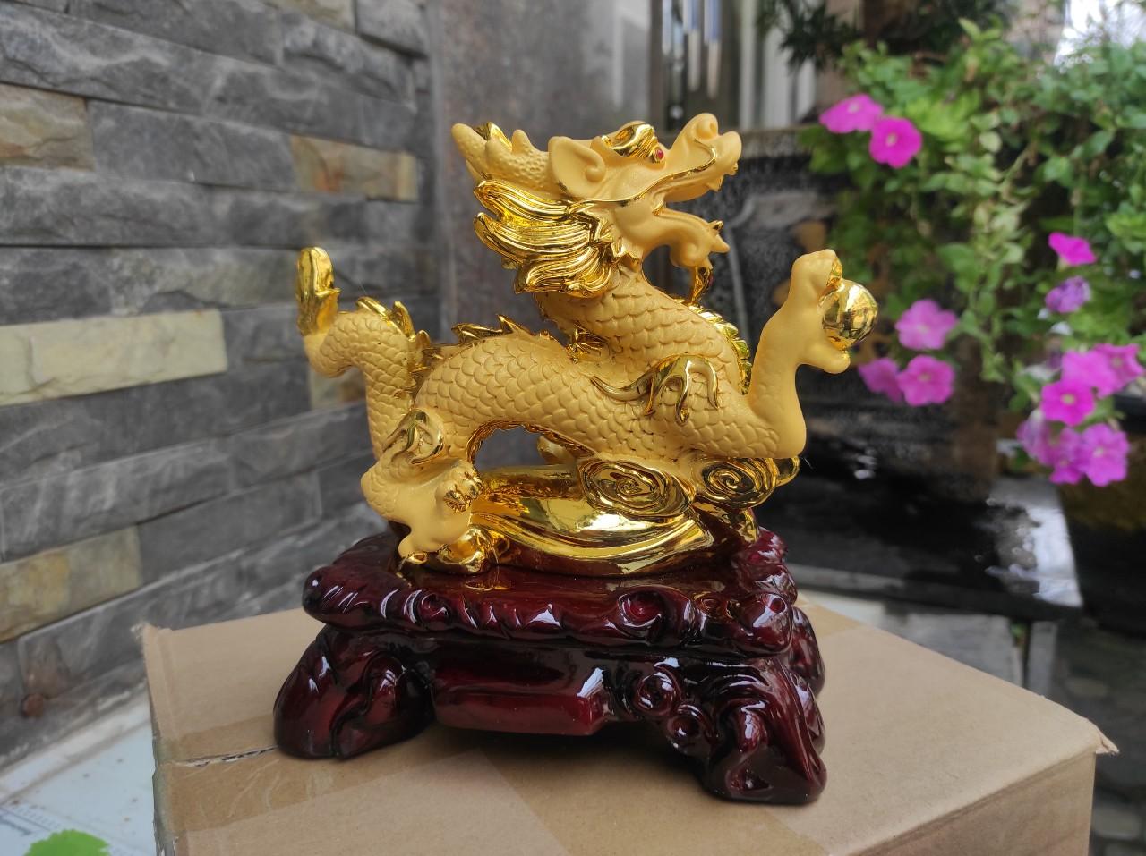 Tượng Rồng Vàng Phong Thủy