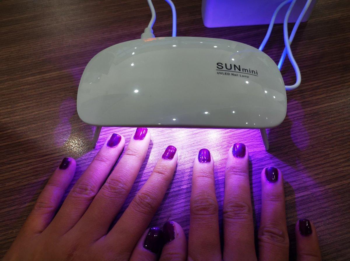 Đèn Uv Mini Sun 6 Bóng 6W Có Chân Đứng, Sấy Keo Uv, Sấy Móng Tay, Sấy Keo Dán Kính Uv - UVM6W