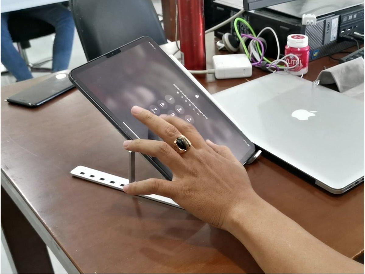 Giá Đỡ Laptop Nhôm Gấp Gọn Chỉnh Độ Cao Giúp Tản Nhiệt Cho MACBOOK IPAD SURFACE