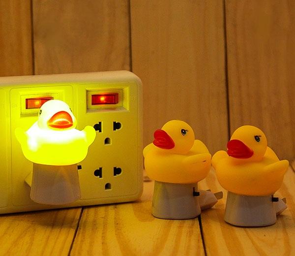 Bộ 2 Đèn Ngủ Hình Chú Vịt Rubber Duck