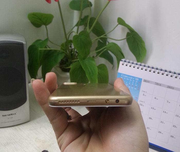 Hộp Quẹt Bật Lửa Hình Điện Thoại Iphone 7 Plus