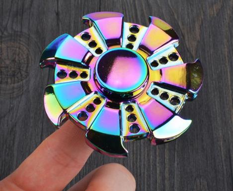 Trò Chơi Con Quay 7 Cánh Phản Quang Torqbar Hand Spinner