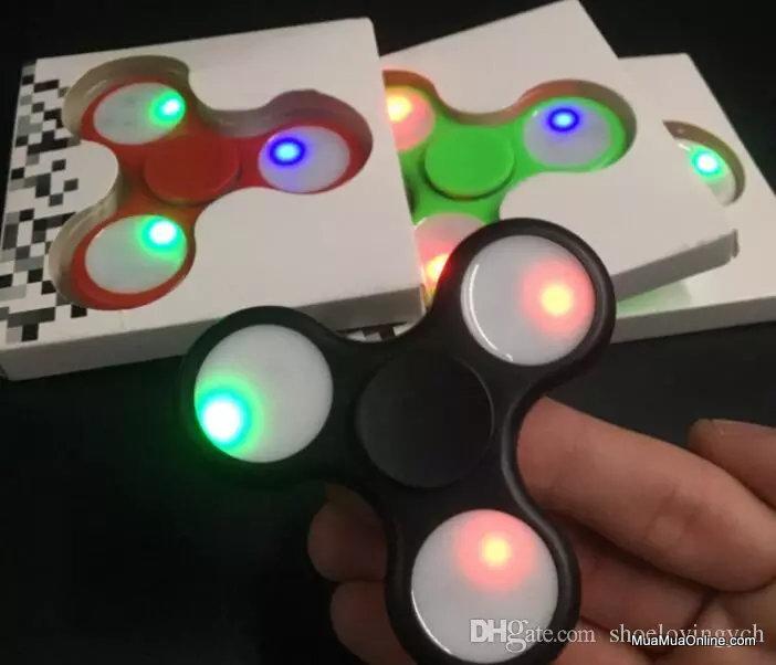 Trò Chơi Con Quay Cánh Tam Giác Torqbar Hand Spinner Led 7 Màu
